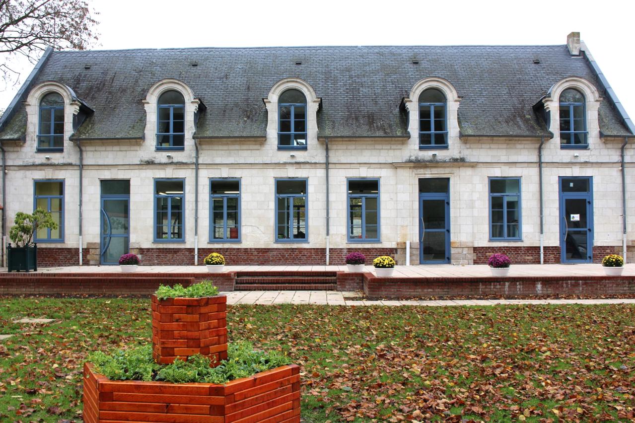La maison des associations for Association maison